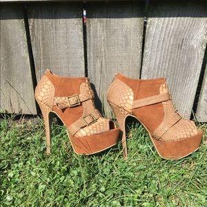 Women's high heel shoes Size 9